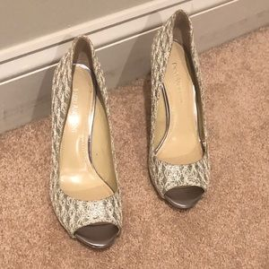 ❤️ Enzo Angiolini gold/silver sparkly heels